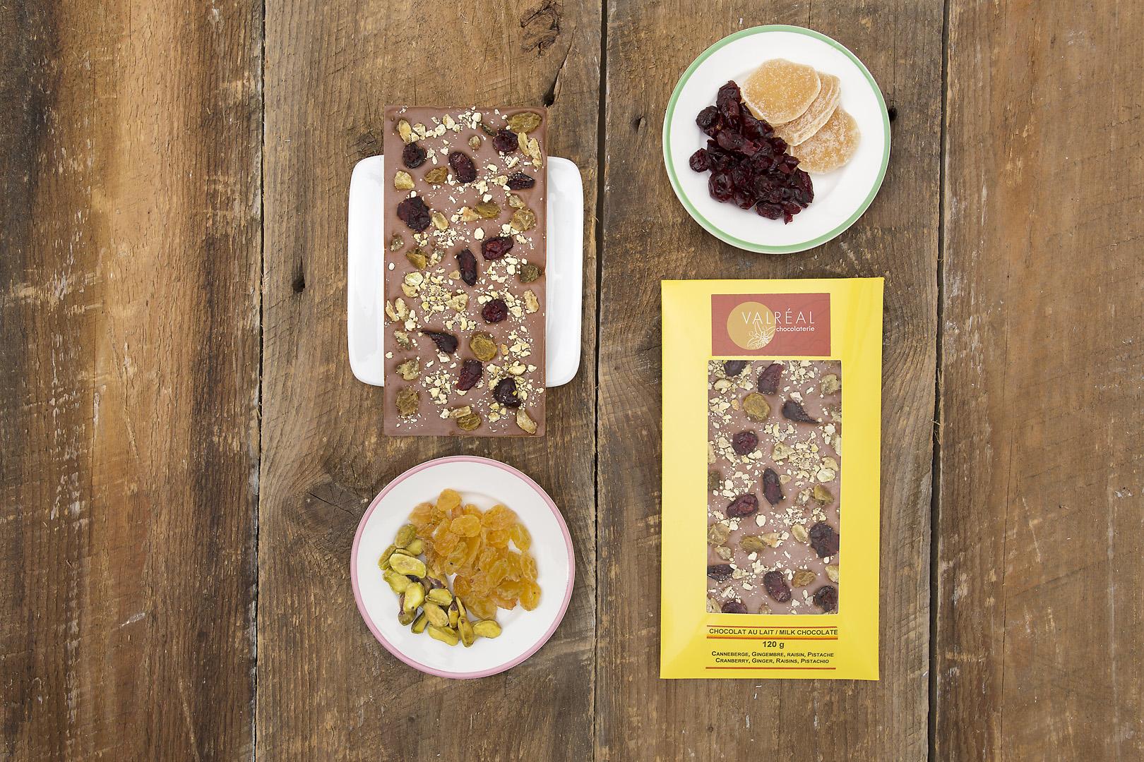 photographe-chocolat-produit-the-valreal-tablette-lait-gingembre-raisin-pistache-canneberge